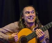 Der Musiker Björn Vollmer auf der Bühne