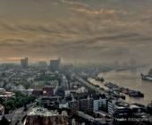 Morgennebel über Hamburg vor dem Sonnenaufgang