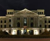 Architekturfotografie: Rathaus Altona (HDRI)