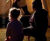 Familienfotografie kann auch innerhalb eines bestimmten Rahmens passieren.