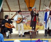 Die Gruppe Vogelvrei bei einem Auftritt in Rellingen.